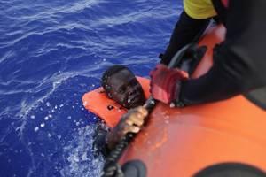 spain sends navy to save migrants as italian justice intervenes