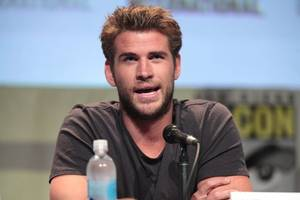 miley cyrus denies being unfaithful after liam hemsworth files for divorce