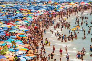 killer bug health warning for tourists in spain