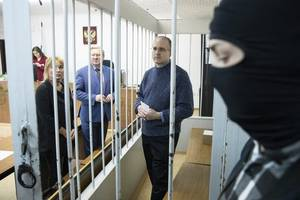 russian court extends detention of former us marine accused of espionage