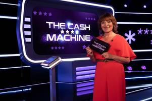 lorraine kelly relishes quiz show host challenge - and even has her first catchphrase