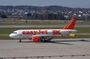 easyjet passenger escorted off flight after 'threatening to break her son's legs'
