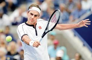 us open: hurting novak djokovic, slow-starter roger federer advance on rain-hit day