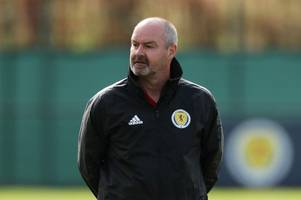 steve clarke issues oli mcburnie defence as he urges tartan army to lay off scotland star