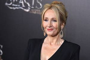 jk rowling sends harry potter fans into a frenzy with cryptic tweet about new film