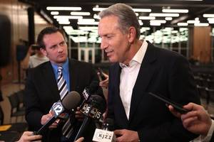 starbucks' howard schultz ends presidential campaign