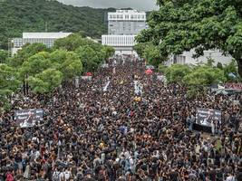 hundreds of hong kong students, alumni turn out for boycott