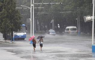 typhoon lingling leaves thousands of south korean homes without electricity, suspends hundreds of flights