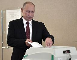 russians go to polls in local elections after crackdown on dissent