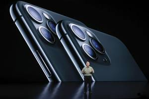 apple's iphone 11 pro launch is proof that the smartphone industry is going through a massive change (aapl)