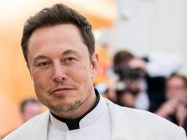 Elon Musk suggested that Tesla is working on a new powertrain that will make the Model S, Model X, and Roadster quicker (TSLA)