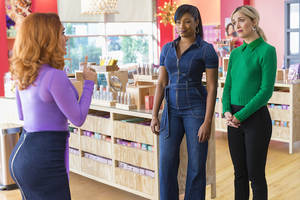 tiffany haddish and rose byrne square off against salma hayek in 'like a boss' trailer (video)