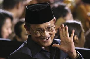 Indonesia's Habibie, president during transition to democracy, dies