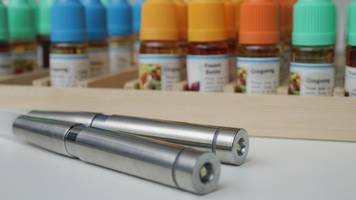 What's The Difference Between Vaping And Using E-Cigs?