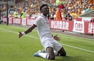 Abraham hat trick as Chelsea beats Wolves 5-2