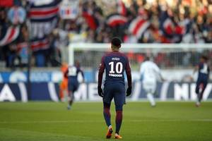 neymar starts against strasbourg as keylor navas makes psg debut
