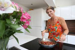 can long eaton woman ashley hinman cook up a fortune on new tv show?