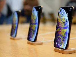 here are the biggest differences between the $1,000 iphone 11 pro and last year's iphone xs (aapl)