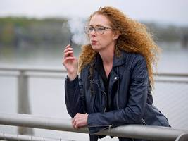 officials just confirmed 7 deaths and 530 cases of serious lung disease tied to vaping. here are all the health risks you should know about.