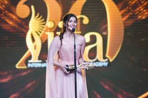 drumrolls! ranveer singh, alia bhatt win big; here's the complete list of iifa awards 2019