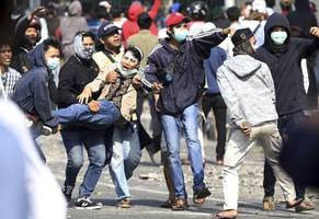 police: 2 die in violent indonesian student protests