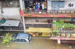 heavy rain claims 110 lives in four days across country