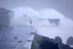 hurricane lorzeno batters mid-atlantic azores islands