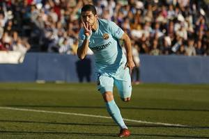 barcelona star suarez ruled out of uruguay's friendlies