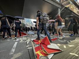 taiwan warns chinese could be barred entry over anti-hk violence