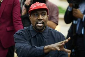 Kanye West draws thousands at Utah 'service'