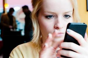 the 21 most annoying things people do with their mobile phones