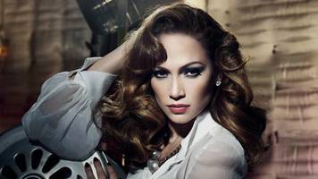 jennifer lopez 'sued for $150,000′ for using photo of herself without permission