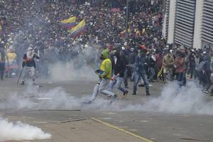 ecuador seeks un help as fuel hike protests intensify