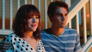 'riverdale' season 4 premiere recap: grief and goodbyes