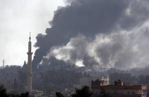 Thousands flee, dozens reported killed as Turkey pushes Syria assault