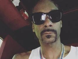"snoop dogg + talib kweli rip 6ix9ine's alleged $10 mil record deal: ""so, snitches get riches?"""