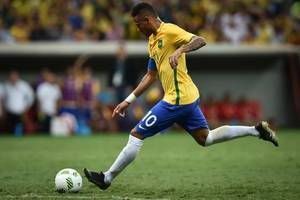 neymar out for four weeks, says psg