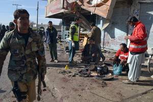 policeman killed, 10 injured in ied blast in pakistan