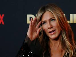 jennifer aniston joined instagram, broke it, and set a guinness world record — all in less than 6 hours