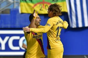 griezmann finds groove with messi, suarez in barcelona victory