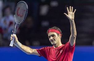 Federer wins easily at Basel in 1,500th tour singles match