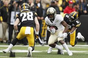 wr david bell's fast start has boilermakers thinking big