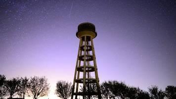 Gorgeous Orionid Meteor Shower Set to Peak Tonight