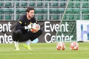 craig gordon 'doesn't like' neil lennon and celtic keeper needs new club claims paul robinson
