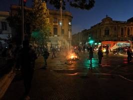 chile protests: death toll rises to 15 after violent clashes