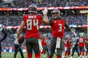 mariota already benched with winston looking to bounce back