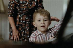 when is the john lewis christmas advert 2019 out and who will be singing?