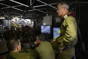 Benny Gantz receives mandate to form Israeli government