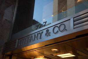French luxury group LVMH in talks to buy Tiffany - Bloomberg