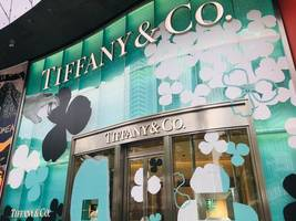 LVMH confirms interest in acquiring luxury jeweler Tiffany